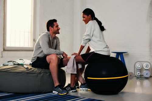 Technogym Wellness Balls reduce the risk of back problems while improving abdominal and lumbar muscles.